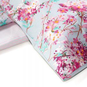 dettaglio completo letto matrimoniale celine con fiori rosa