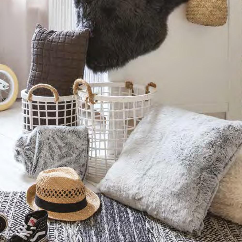 Cuscini Beige Per Divano cuscino in pelliccia per divano 45x45cm | linea kinta by vivaraise