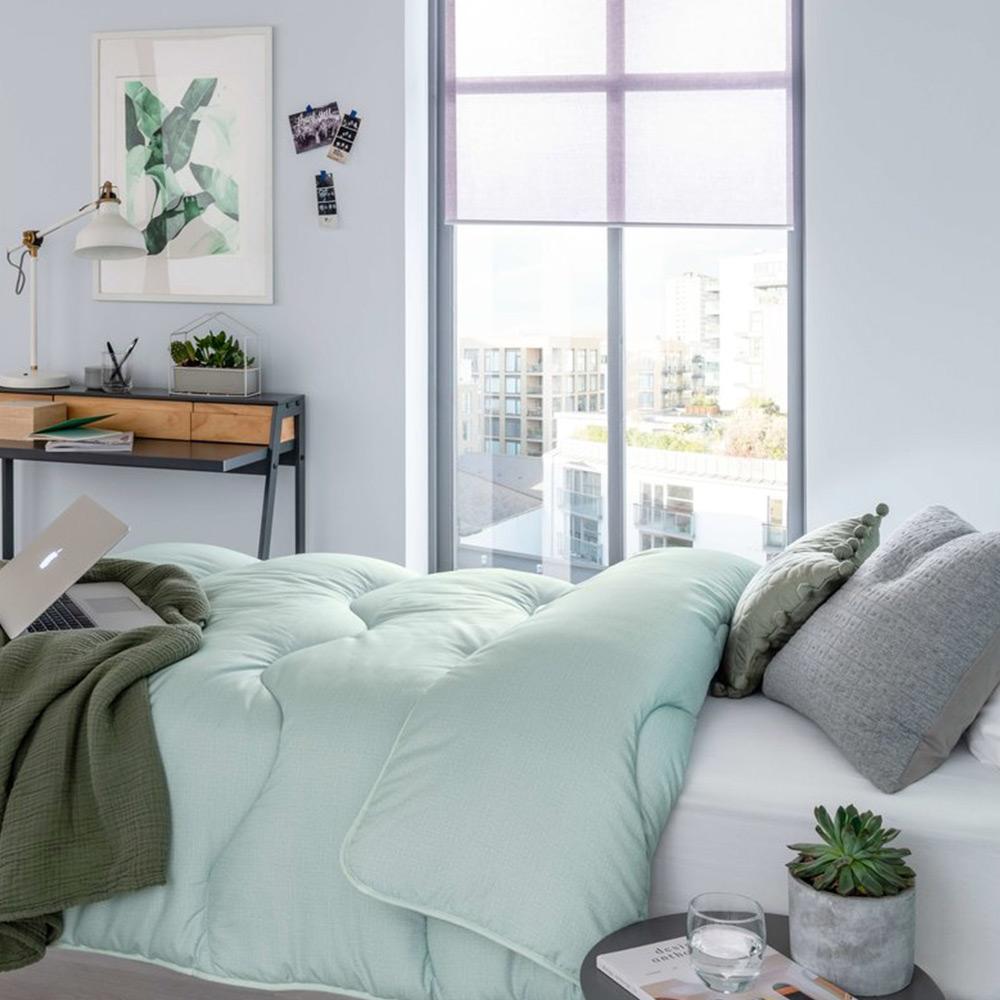 new style 06e51 c0a50 Piumino matrimoniale in microfibra Night Owl | In verde, blu e rosa pastello