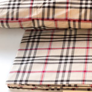 dettaglio lenzuola stile burberry tessitura randi