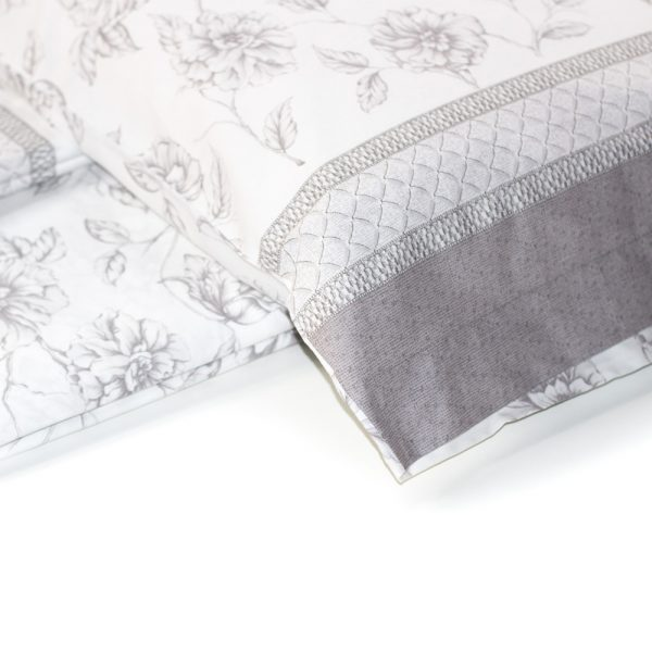 dettaglio completo lenzuola in percalle con magnolie di Maè