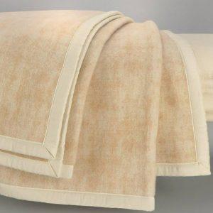 coperta matrimoniale elsa beige jacquard con effetto spatolato Somma