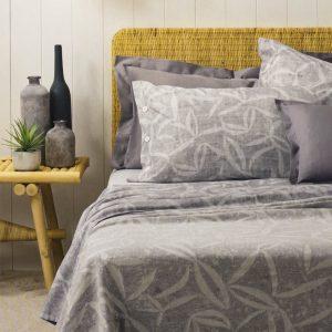 lenzuola Senecio di Zucchi in percalle di cotone con fantasia floreale grigio
