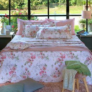 copriletto trapuntato Romantico con rose rosa Amalia di Tessitura Randi