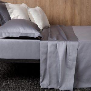 lenzuola in raso di cotone grigio cenere tinta unita Charme di Reevèr