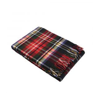 dettaglio plaid scozzese in lana con frange Sky di Somma